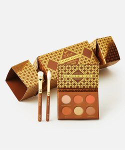 Beauty Gift Sets - Zoeva Cracker contains makeup brush and eyeshadow palette