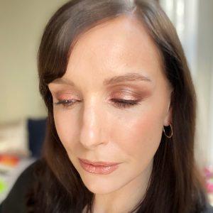 Smokey rose gold makeup ideas using the Bobbi Brown party eyeshadow palette!