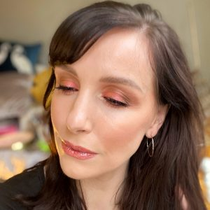 Zoeva Spice Of Life Eyeshadow Palette review! 5 Makeup looks perfect for the party season.