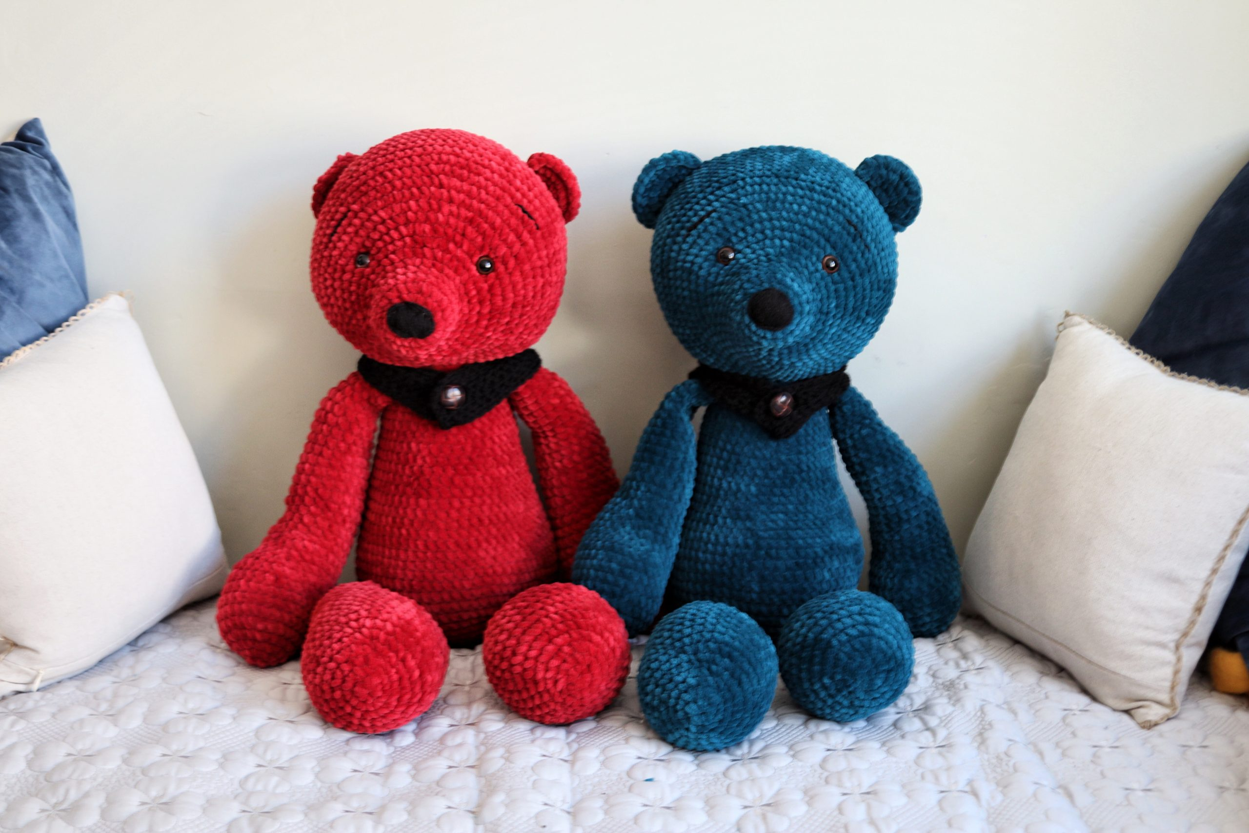 Giant Crochet Teddy Bears! Find out how to make these gorgeous bears in this blog post!