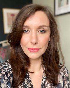 Amy, a north east beauty blogger and makeup artist wears Lisa Eldridge Lipstick and gloss embrace lip gloss in 'go lightly'