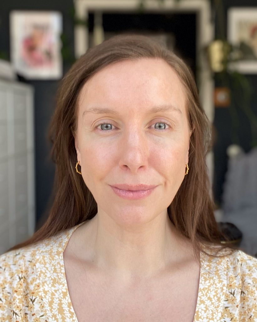 Fenty Beauty Bright Fix before, no makeup, Amy beauty blogger and makeup artist
